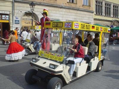 Standardowy pojazd 6 osobowy z foliami zabezpieczającymi (obsługujemy rózwnież grupy do 200 osób)
