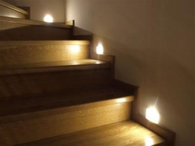 Oświetlenie LED schodów - kliknij, aby powiększyć