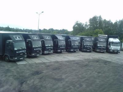 Flota naszych aut o pojemnosci od 40m3 do 60m3 - kliknij, aby powiększyć