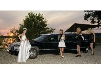 CADILLAC DeVille Limousine - limuzyna 8-osobowa (6-drzwiowa) - kliknij, aby powiększyć