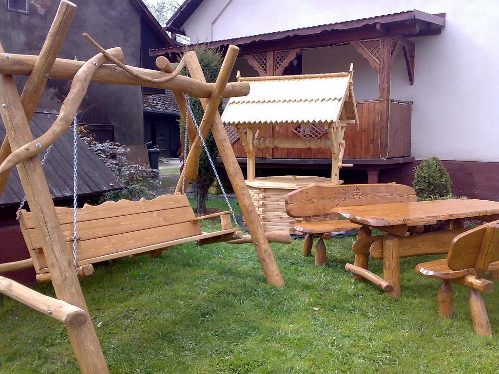 Meble Ogrodowe Z Grubych Bali Drewnianych : Galeria dla usługi MEBLE OGRODOWE  HUSTAWKI Z BALI DREWNIANYCH