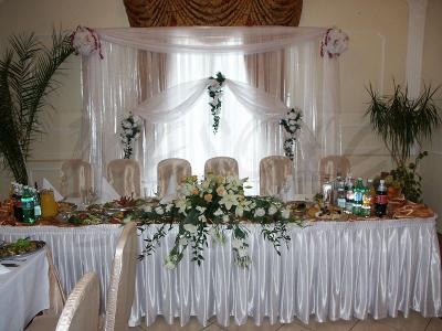 dekoracja stołu weselnego Pary Młodej - kliknij, aby powiększyć