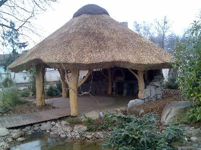 Altany Ogrodowe Domy Z Bala Kryte Trzciną Strzech Płońsk