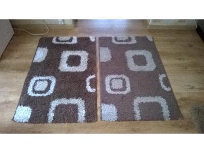 Lewy dywanik po praniu, prawy przed praniem. - kliknij, aby powiększyć