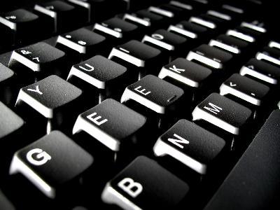 Czym jest tajemnica korespondencji i jak ją chronić w Internecie?