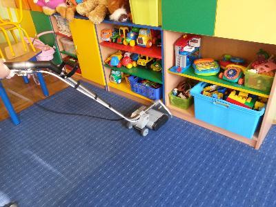 czyszczenie wykładziny w przedszkolu  - kliknij, aby powiększyć