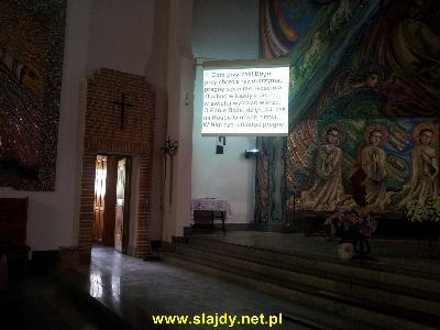 Projektor w kościele - kliknij, aby powiększyć