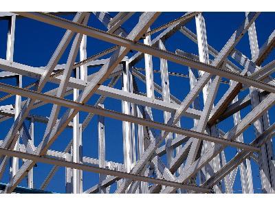 Montaż  konstrukcji stalowych, fundamenty