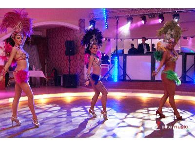 Pokaz taneczny - brazylijska samba - kliknij, aby powiększyć