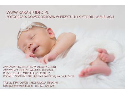 Zdjęcie nr 1_kakastudio.pl_uśmiechnięty noworodek sesja - kliknij, aby powiększyć