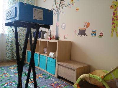 ozonowanie pokoju dziecięcego w celu pozbycia się bakterii,  - kliknij, aby powiększyć