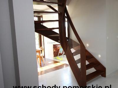 Zdjęcie nr 1-schody jesionowe barwione z balustradą szklaną