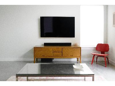 Instalacje multimedialne, montaż TV, projektory, audio, LED