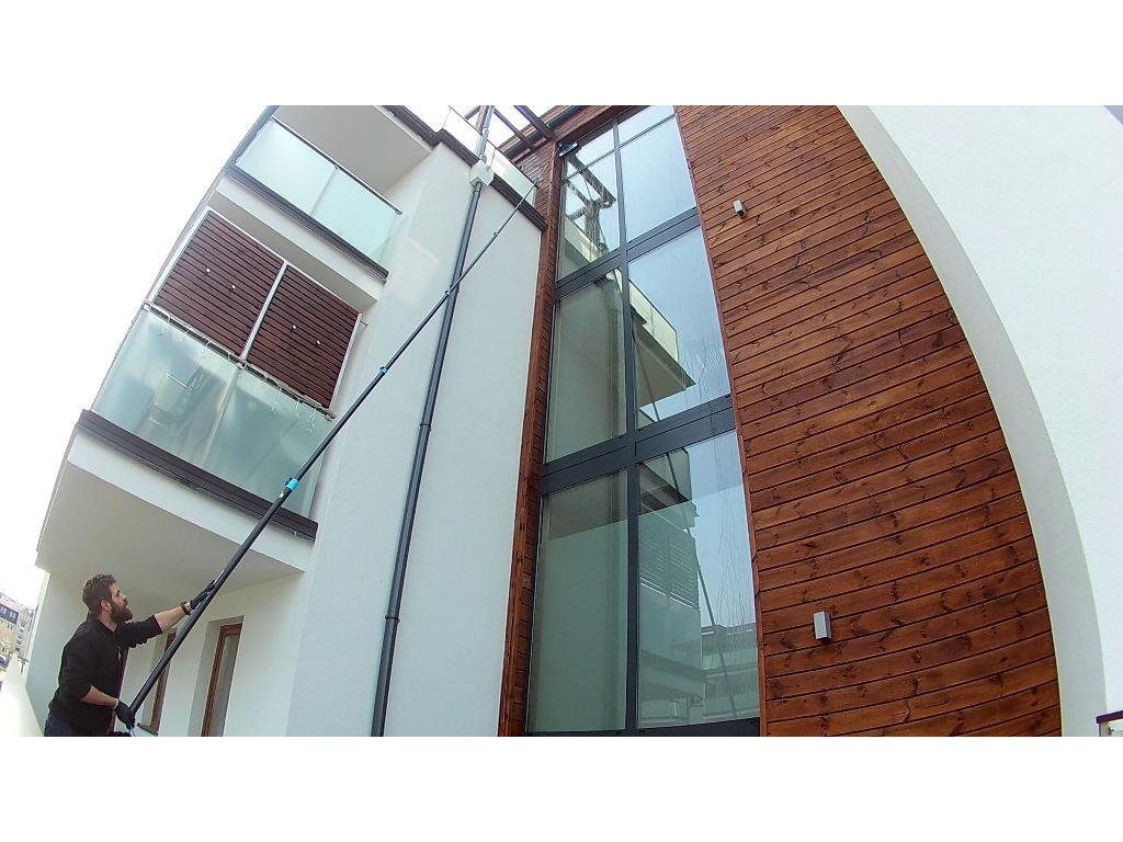 Mycie okien, witryn i przeszkleń wodą demineralizowaną, zachodniopomorskie