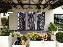 Panele ażurowe na elewacji budynku jak element dekoracyjny