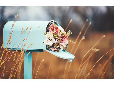 Kwiaciarnia internetowa czy tradycyjna? 6 najważniejszych zalet poczty kwiatowej