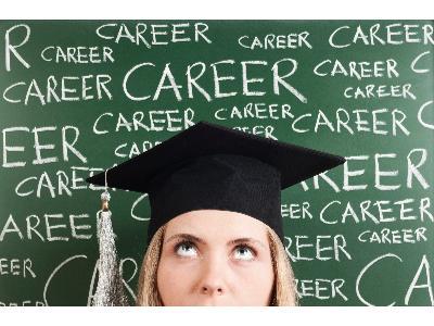 Jak znaleźć pierwszą pracę po studiach?