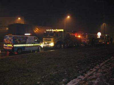Holowanie autobusu Mpk,ulica Jaworzyńska - kliknij, aby powiększyć