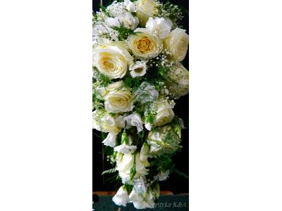 Wiązanka ślubna spływająca. Róża, Eustoma - kliknij, aby powiększyć