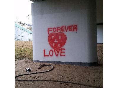 Sodowanie graffiti przed - kliknij, aby powiększyć