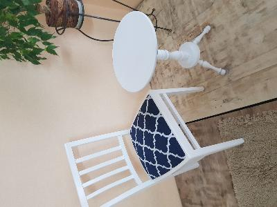 krzesło i stolik po renowacji - kliknij, aby powiększyć