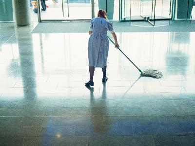 mycie podłogi - kliknij, aby powiększyć