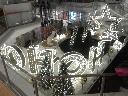 nr 4 Montaż inscenizacji świątecznej w galerii w Lyonie