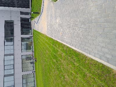 Teren wokół hali przemysłowej - kliknij, aby powiększyć