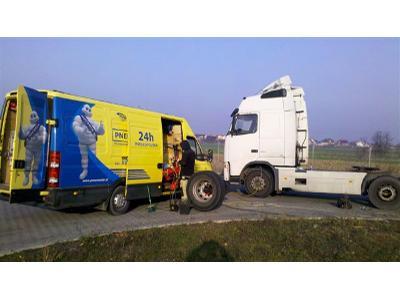 Serwis mobilny opon ciężarowych - kliknij, aby powiększyć